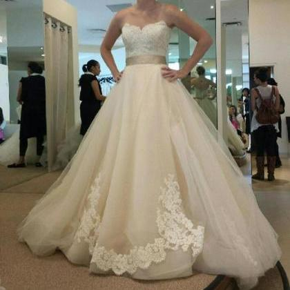 Hot Sale Charming Vintage Lace Wedd..