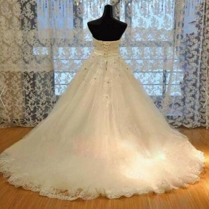 Elegant Lace Appliqued Ball Gown Ch..