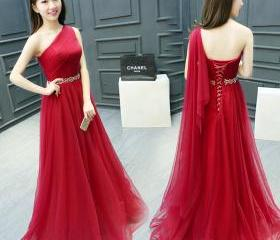 One Shoulder Red Pro..