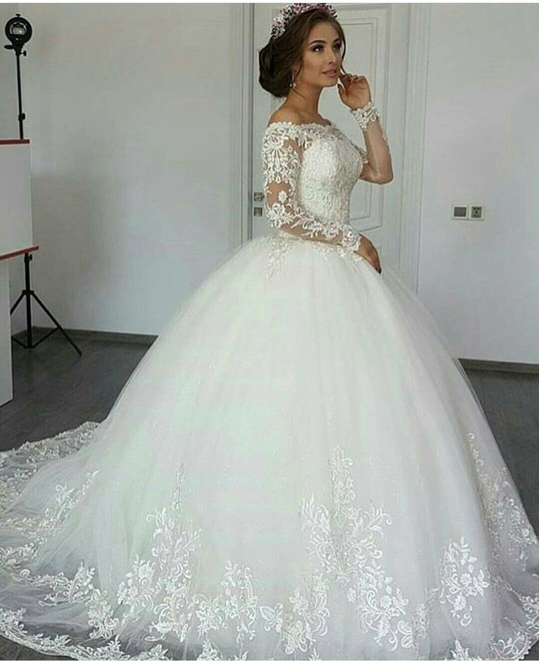 Long Sleeve Wedding Dress Ivory Ball Gown Lace Lique Elegant Unique