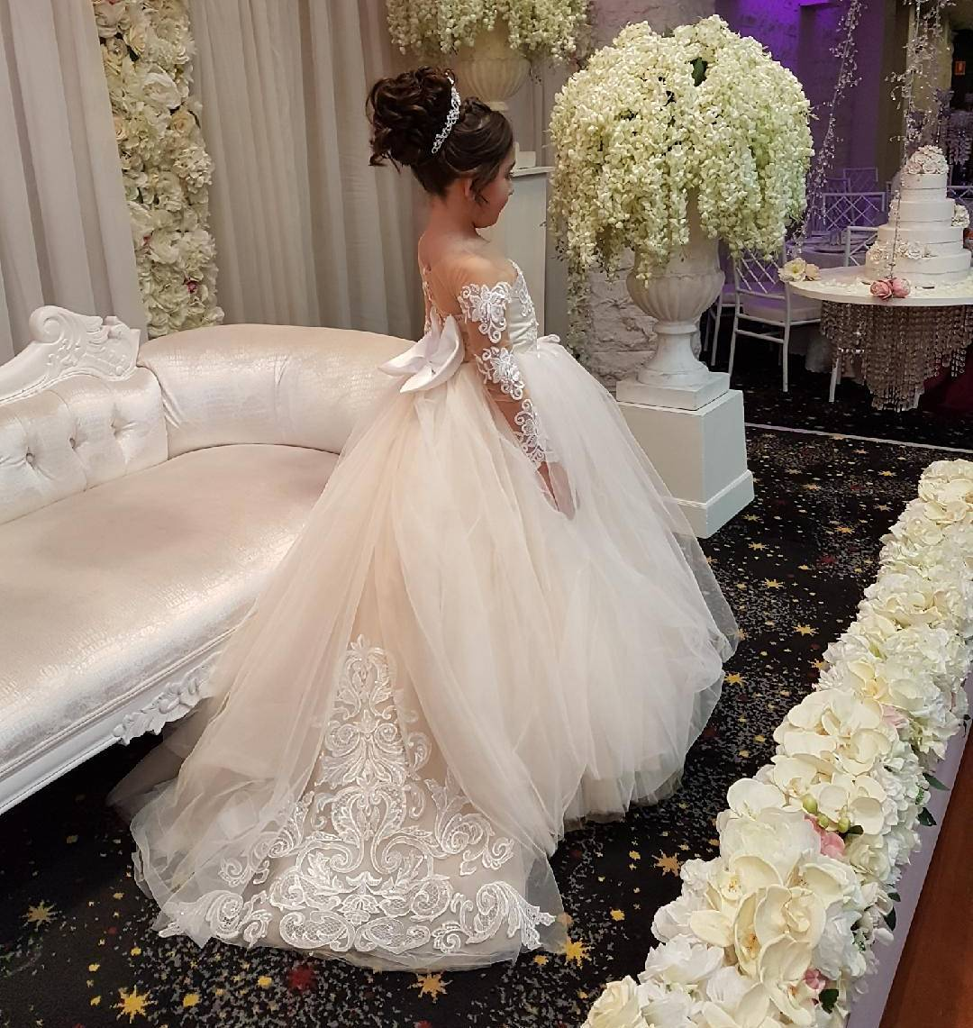 Cute Long Sleeves Ball Gown Flower Girl Dresses With Bow 2018 Vintage PLus  Size Wedding First Communion Dresses, Custom Made Kids Wedding Gowns ,Lace  ...