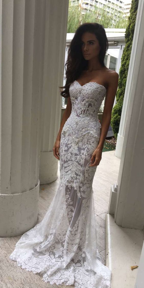 Charming White Lace Wedding Dress e0f0439d1452