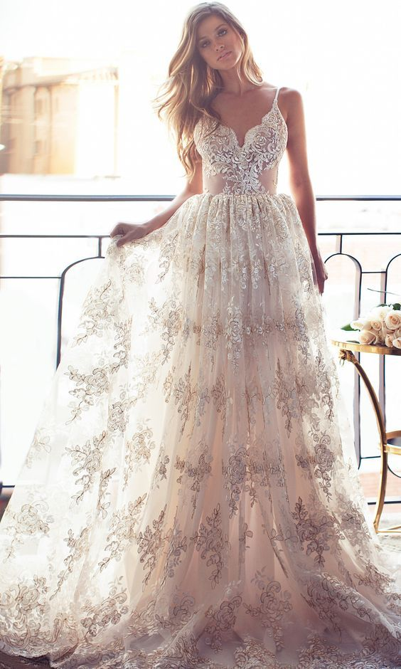 Spaghetti Straps Low Back Summer Wedding Dress Boho Bridal Gown with Appliques Lace 2018 Plus Size White China Wedding Dresses A Line Bohemian Bridal Gowns