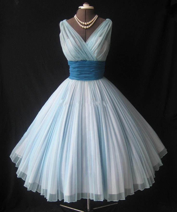 aeefbb4b29f Vintage 1950 s Ball Gown Tea-length Short Prom Evening Dresses Gowns Real  Sample V-Neck Puffy Ruffle Chiffon Christmas Party Dress,2018 Light Blue  Mini ...