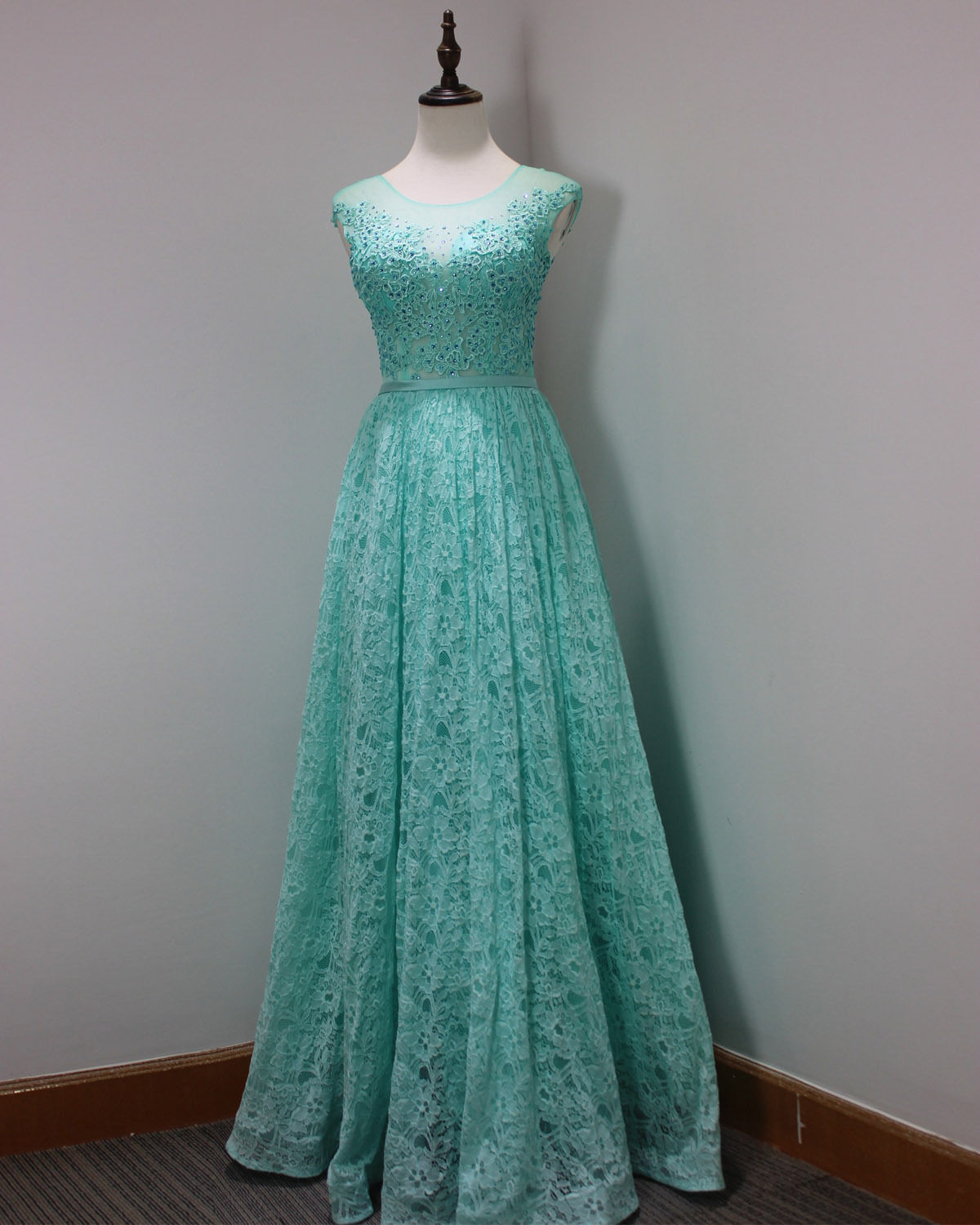 73d9402e3ba Plus Size Light Green Lace Prom Dresses 2018 Sexy Sheer Lace Formal Evening  Dresses Custom Made Wedding party Gowns