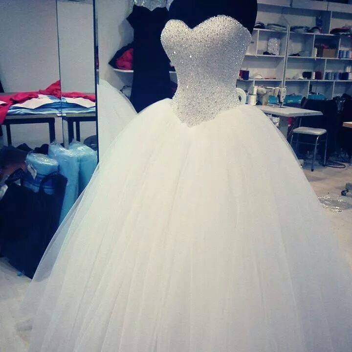 Luxury Beaded Crystal Corset Pricess Wedding Dresses Off Shoulder Ball Gown Wedding Gowns Custom Made Women Bridal Gowns .