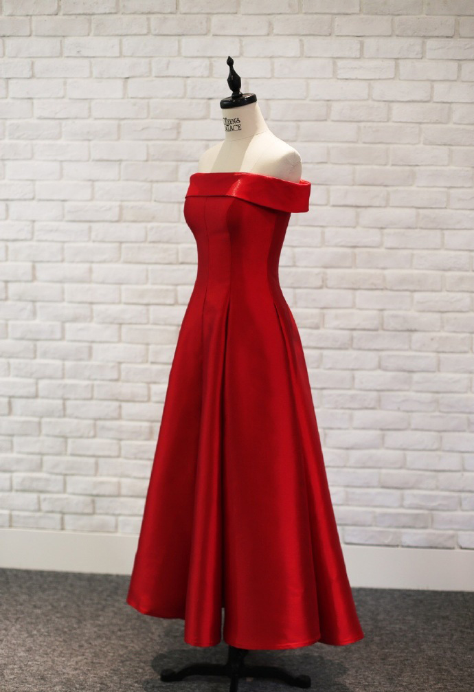 Off Shoulder Red Satin Long Prom Dress Cheap Women Prom Gowns A Line Girls Party Gowns