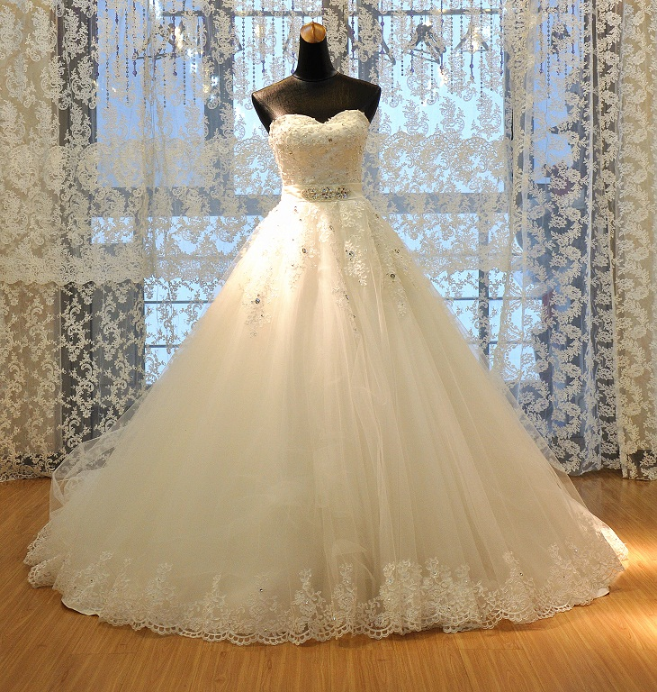 Elegant Lace Appliqued Ball Gown China Wedding Dress Strapless Tulle Women Bridal Gowns 2019