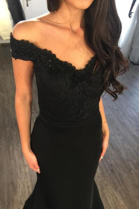 Elegant Mermaid Bridesmaid Dresses 2018 Vintage Beading Black Lace Appliques Off Shoulder Long Bridesmaid Dress Sweep Train Evening Party Gowns,Sexy Black Beaded Women Party Gowns