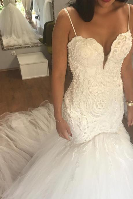 Luxury White Mermaid Wedding Dresses Spaghetti Straps Robe De Mariage Country Wedding Gowns Pearls Heavy 2018 BlingBling Sexy Sweep Train Bridal Gowns Tulle Lady Party Gowns
