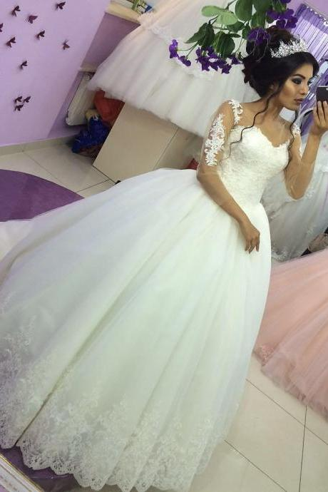 Vintage Appliqued Ball Gown Wedding Dress with Sheer Long Sleeves 2018 Plus Size Dubai Wedding Dresses Lace Pricess Wedding Gowns Spring Women Gowns
