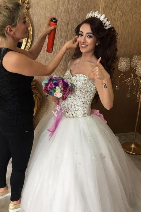 Luxury White Rhinestone China Wedding Dresses 2018 Sparkly Sweetheart Arabic Dubai Wedding Gowns Off Shoulder Puffy Bridal Gowns Crystal Women Gowns Custom Made Pink Bow Weddings