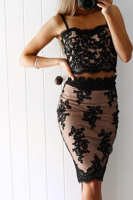 Spaghetti Straps Short Two-Piece Fit Prom Dress With Beaded Lace Appliques,Black Lace Short Cocktail Dress,Girls Party Dresses,Wedding Party Gowns .Spaghetti Straps Women Gowns