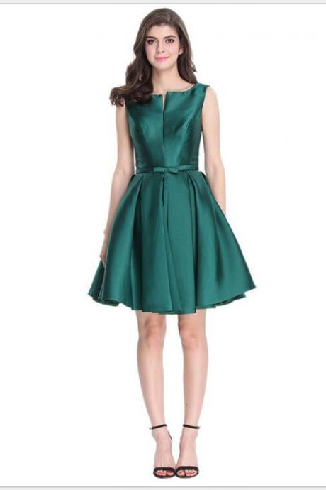 A Line Green Satin Short Homecoming Dress With Ribbon 2019 Fashon Girls Party Gowns Short Cocktail Dresses