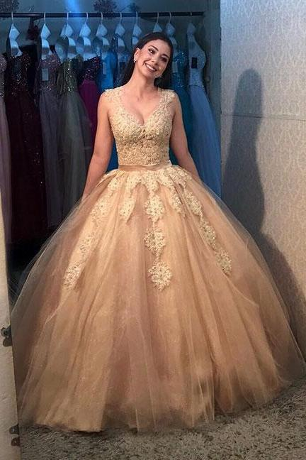 Vintage Gold Lace Appliqued Ball Gown Quinceanera Dress 2019 Sheer Covered Back Pricess Prom Party Gowns