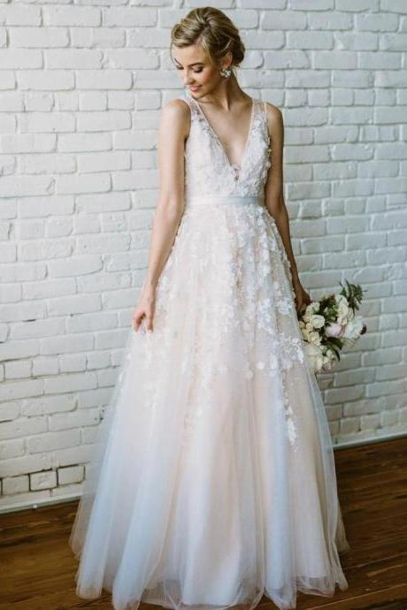 Plus Size V-Neck Lace Appliqued China Wedding Dress A Line Women Bridal Gowns ,Women Bridal Gowns
