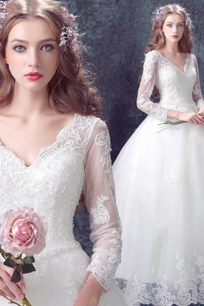 Fashion White Long Sleeve Lace Wedding Dress, V-Neck Tulle Women Wedding Gowns , Bridal Party Dresses
