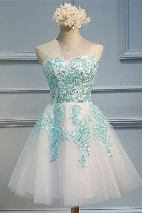 Sexy Ball Gowns White Tulle Short Homecoming Dress With Green Lace Appliqued Mini Cocktail Party Gowns ,Graduation Dress 2019