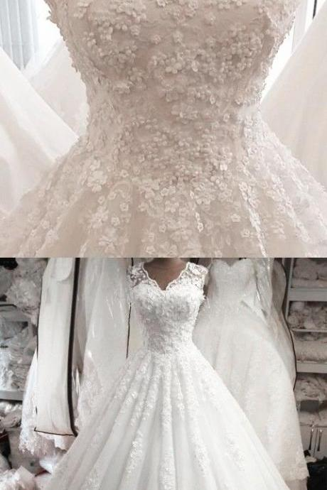 Plus Size V-Neck White Lace Appliqued China Wedding Dresses 2019 Custom Made Bridal Gowns .