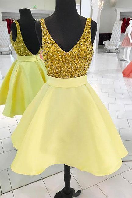 Sexy V-Neck Yellow Satin Short Prom Dress Custom Made Mini Homecoming Party Gowns ,,Beaded Short Cocktail Gowns 2020