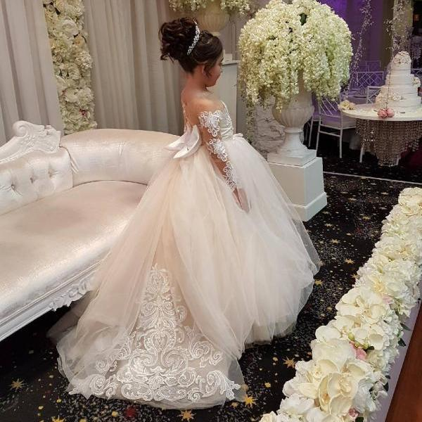Cute Long Sleeves Ball Gown Flower Girl Dresses with Bow 2018 Vintage PLus Size Wedding First Communion Dresses, Custom Made Kids Wedding Gowns ,Lace Flower Girls Dresses