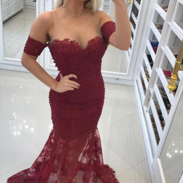 Burgundy Appliques Lace Mermaid Evening Dresses with Short Sleeves 2018 Vintage Sheer Neck Beaded Prom Dresses Sweep Train Formal Party Gowns