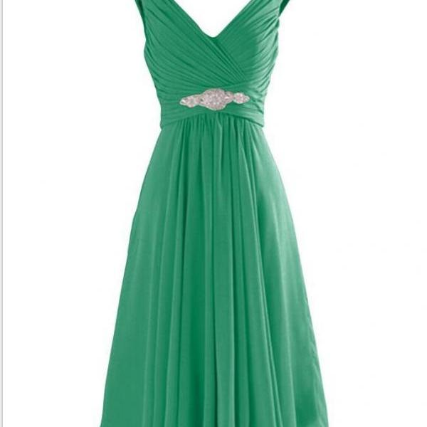 Sexy V-Neck Ruffle Green Chiffon Short Homecoming Dresses Knee Length Beaded Sash Cheap Mini Bridesmaid Gowns