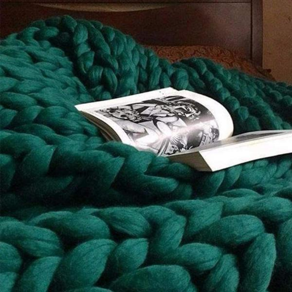Size 32X40Inches Knit Blanket Merino Wool Arm Knitted Throw Soft and Huge Throw,Bed Chair Sofa Yoga Mat Rug Green